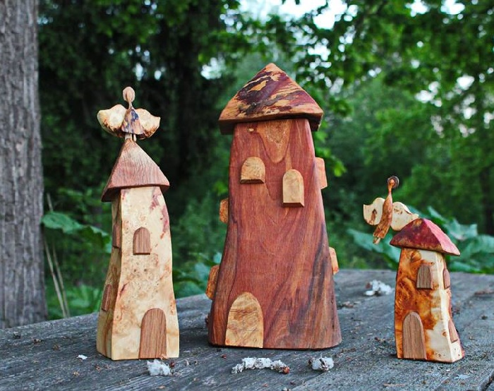 Composition of wood carved figures created by Nikolay Shiroky