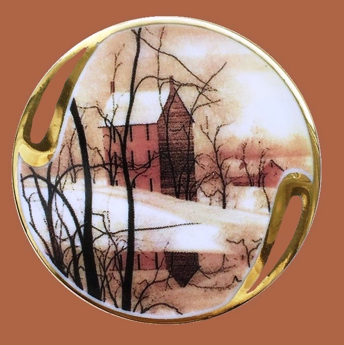 Golden winter brooch. Jewelry alloy, porcelain, enamels. 5 cm