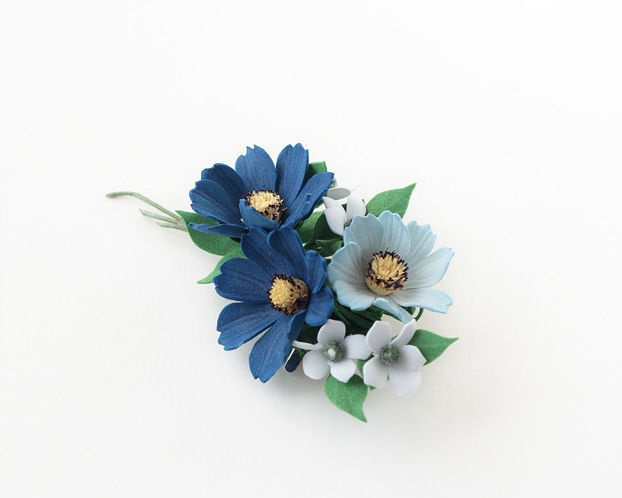 Bouquet Brooch blue blue cosme flowers