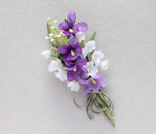 Violets and lilies of the valley brooch. Fabric, chiffon, satin, wire, decorative tape, paint. 10.5 cm