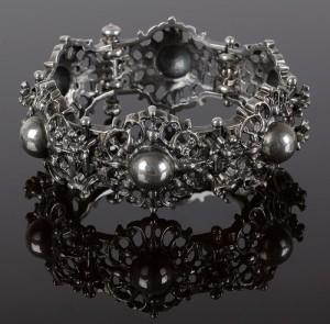 Beautiful bracelet – a variation on the ancient Byzantine jewelry