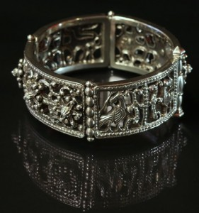 Based on the ancient Byzantine jewelry bracelet