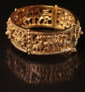 The bracelet – a variation on the ancient Byzantine jewelry