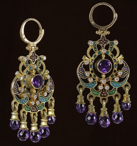 Gold and precious stones Earrings
