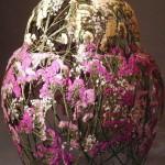 Dried flower sculpture by Spanish artist Ignacio Canales Aracil