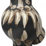 Ceramic vase with the image of an owl