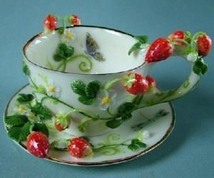 Strawberry. Porcelain by Svetlana Oreshkina