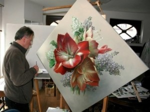 Large scale painting of a red flower. Pieter Wagemans in his workshop