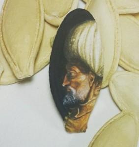 Portrait of Kanuni Sultan Süleyman on pumpkin seed