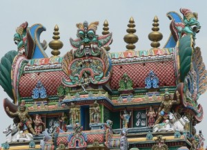 There are an estimated 33,000 sculptures in the temple