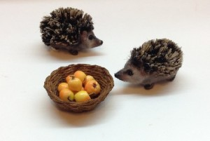 Tiny hedgehogs, 3 cm. Victoria Chernysheva miniature toys