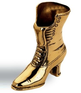 Female boot. Vintage matchbox keeper
