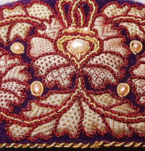 Large hairpin 'Flower' (purple silver) embroidered with pearls, closeup