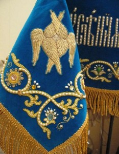 Gold embroidery workshop Ubrus
