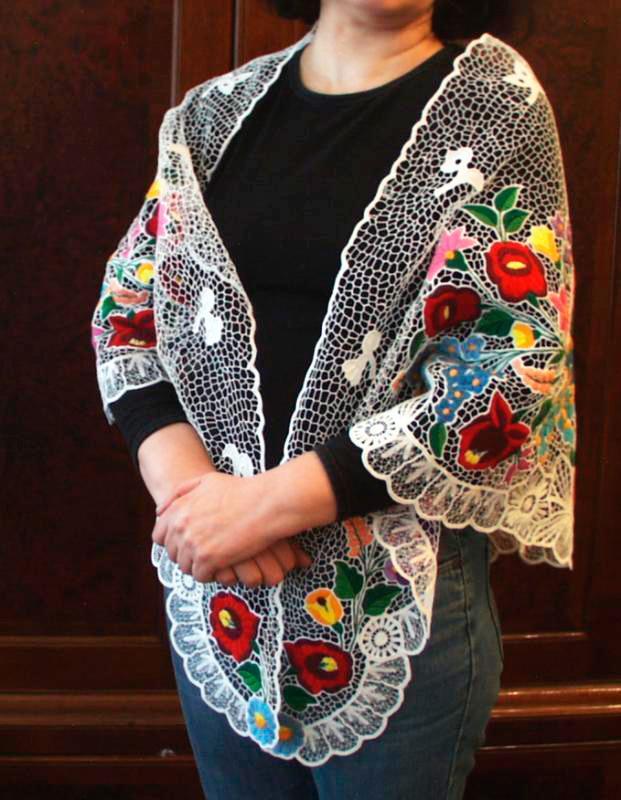 Shawl, Kalocsa embroidery