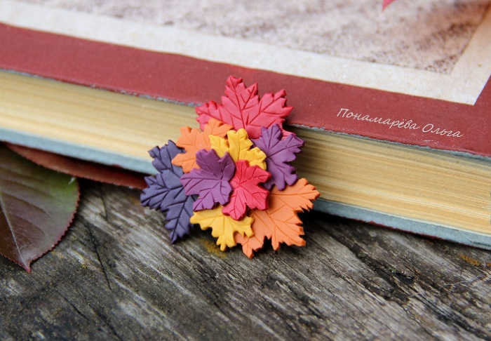 Colors of autumn, brooch