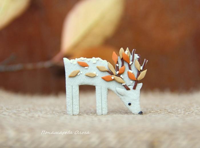 Forest deer brooch