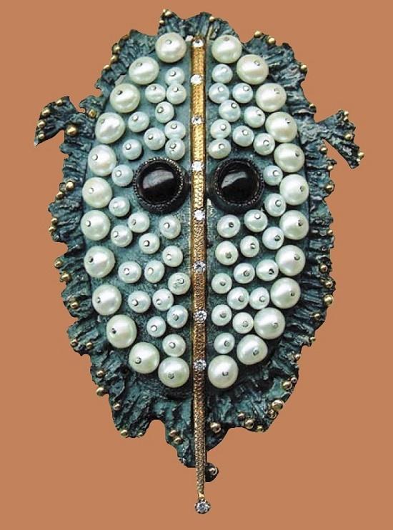 Deep water creature. Pendant. gold, pearls, zircons