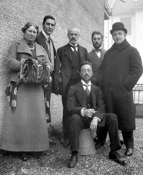 Franz and Maria Marc Bernhard Koehler, Henry Kampedonk Thomas von Hartmann and Wassily Kandinsky (sitting). Blue Rider Impressionist artists