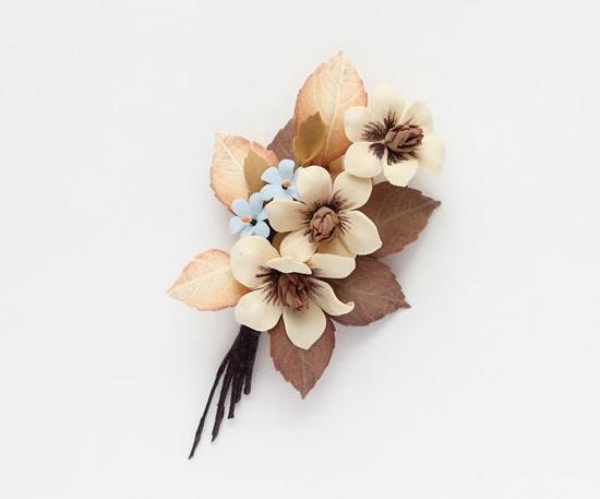 Beige flowers brooch. Foamiran, wire, pastel, paint, tape, stamens, pin. 11 cm