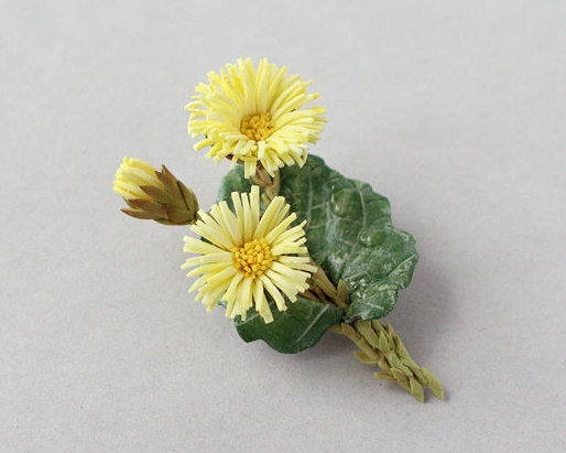Coltsfoot with yellow flowers brooch. Foamiran, wire, tape, 9 cm