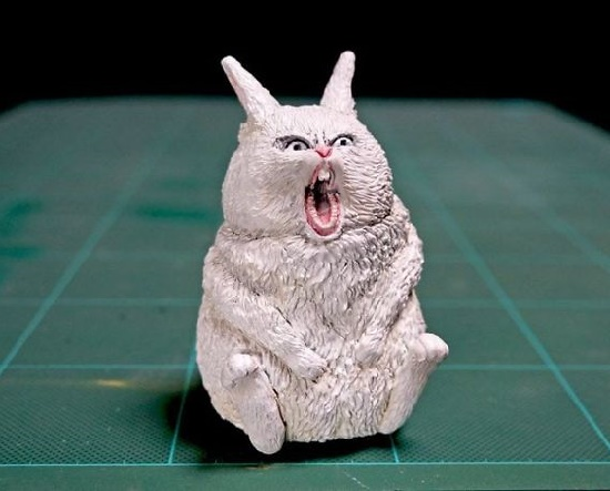 Screaming hare Meetissai Internet Meme sculptures