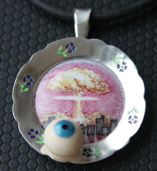 'Bullseye on a plate' pendant. Silver 925, hot enamel, enamel, mammoth tusk. 3.6 cm