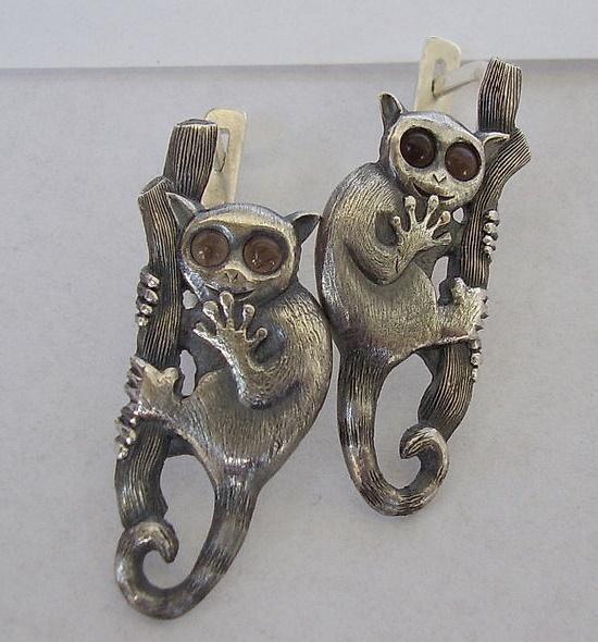 Lemur earrings. Sterling silver, topaz. 3 cm