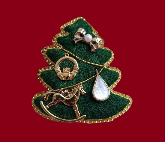 Christmas tree brooch. 5.9 cm