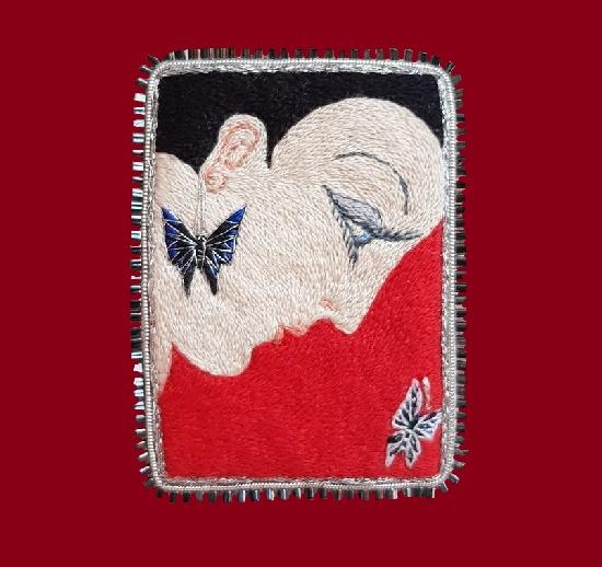 Erte inspired brooch. 6.6 cm