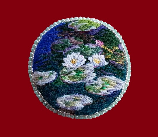 Monet's water lilies hand embroidered brooch. 4.8 cm